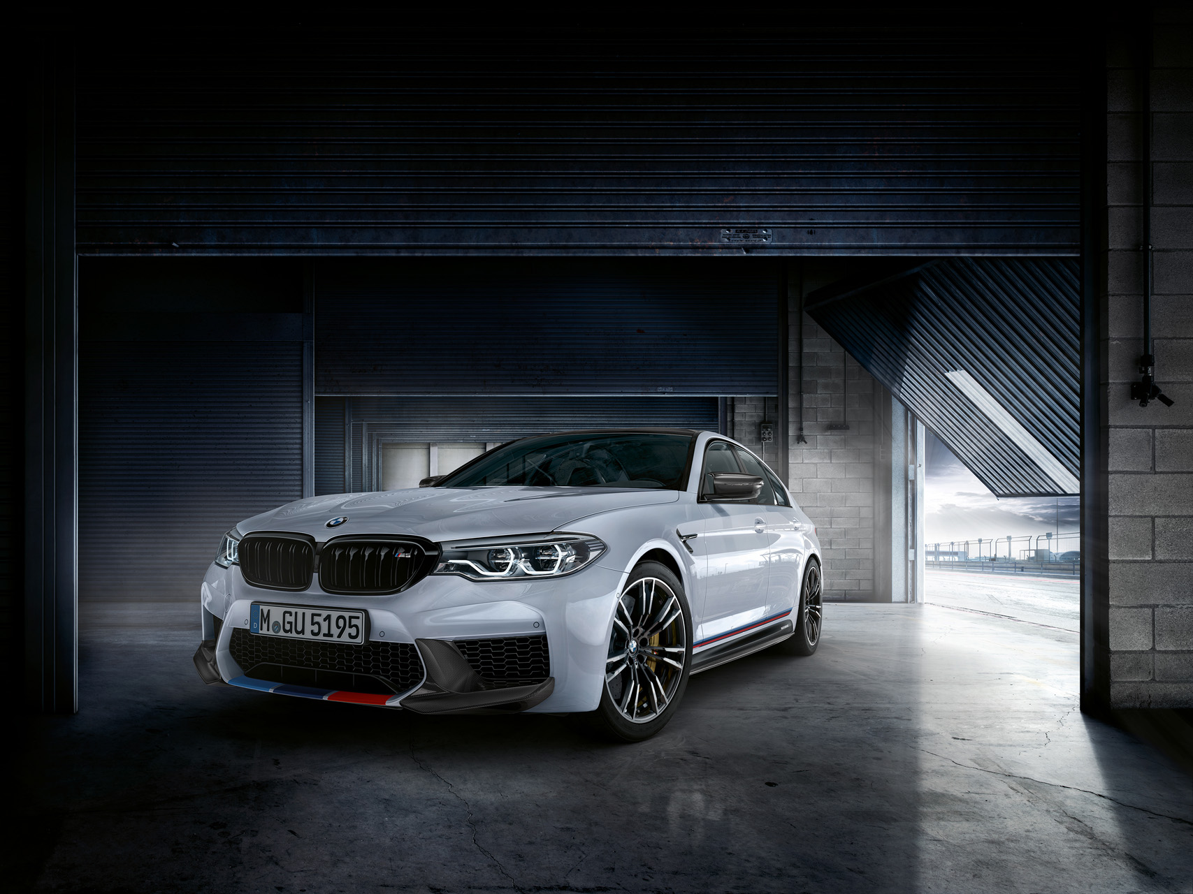 exclusive bmw m performance parts for the new m5 bmw markhamat the sema show in las vegas, bmw is now presenting a further highlight a comprehensive range of exclusive m performance parts for the bmw m5