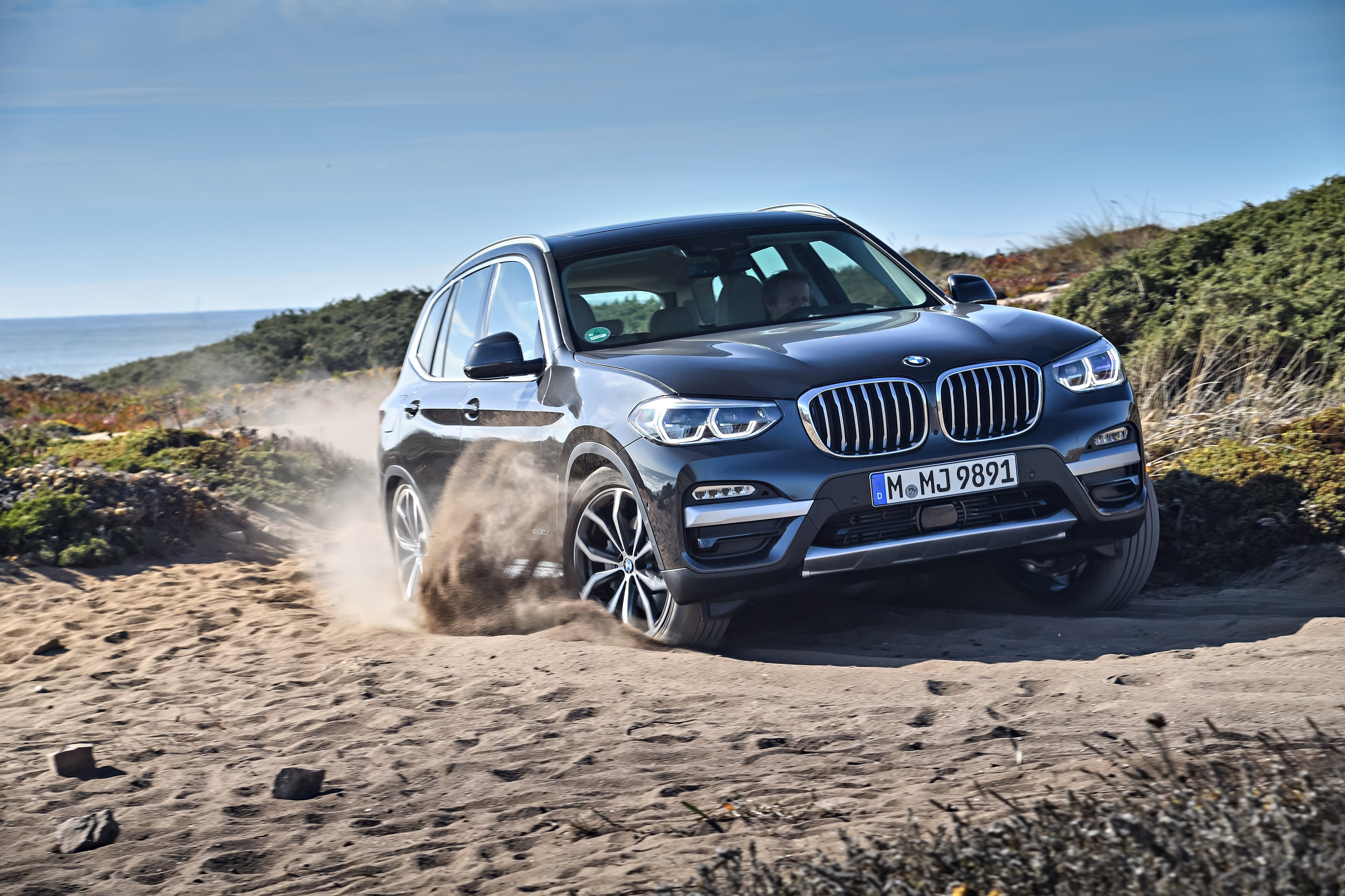 Connected in Every Condition. The BMW X3.