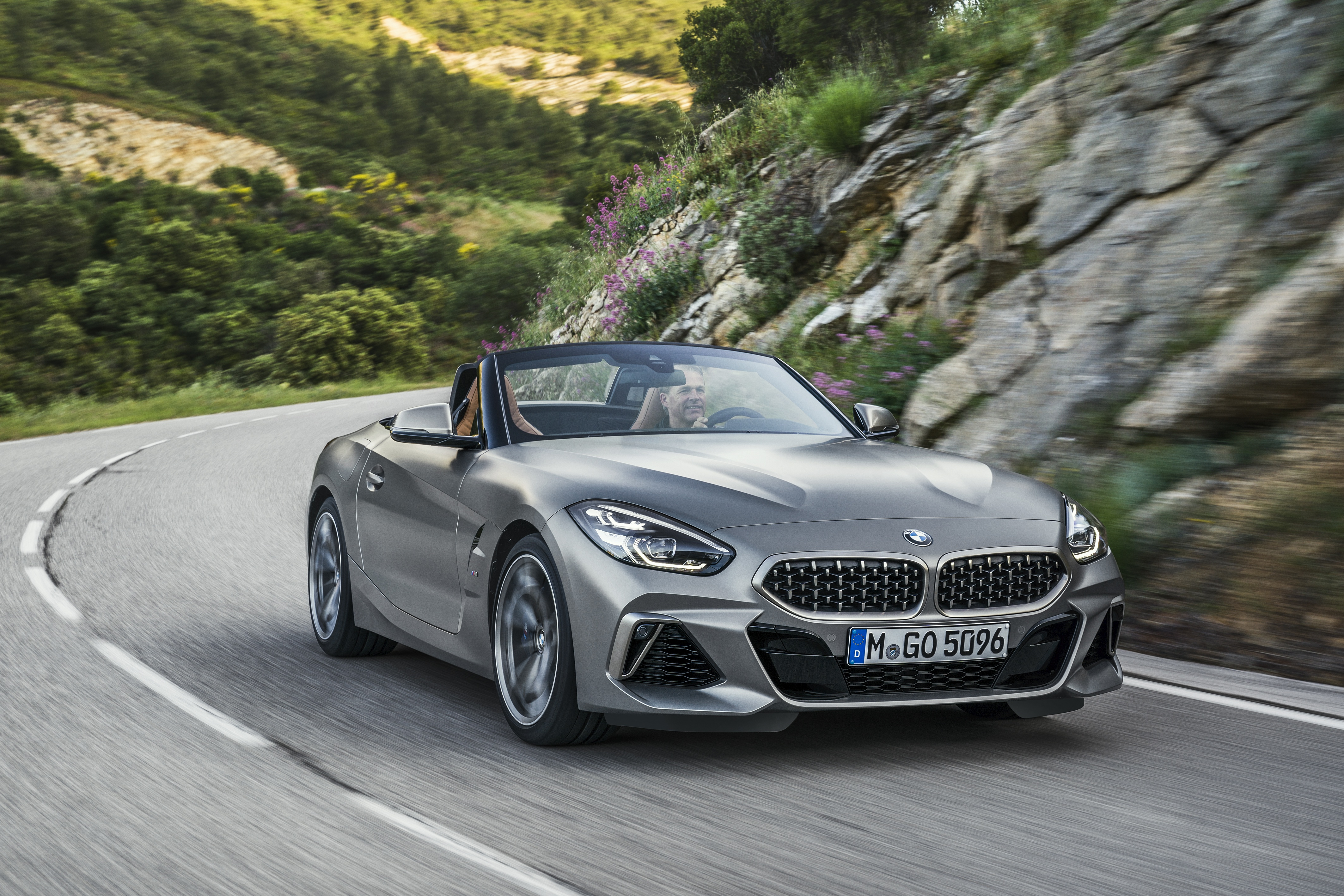 Demo BMW Z4 sDrive30i for $793+HST / month.