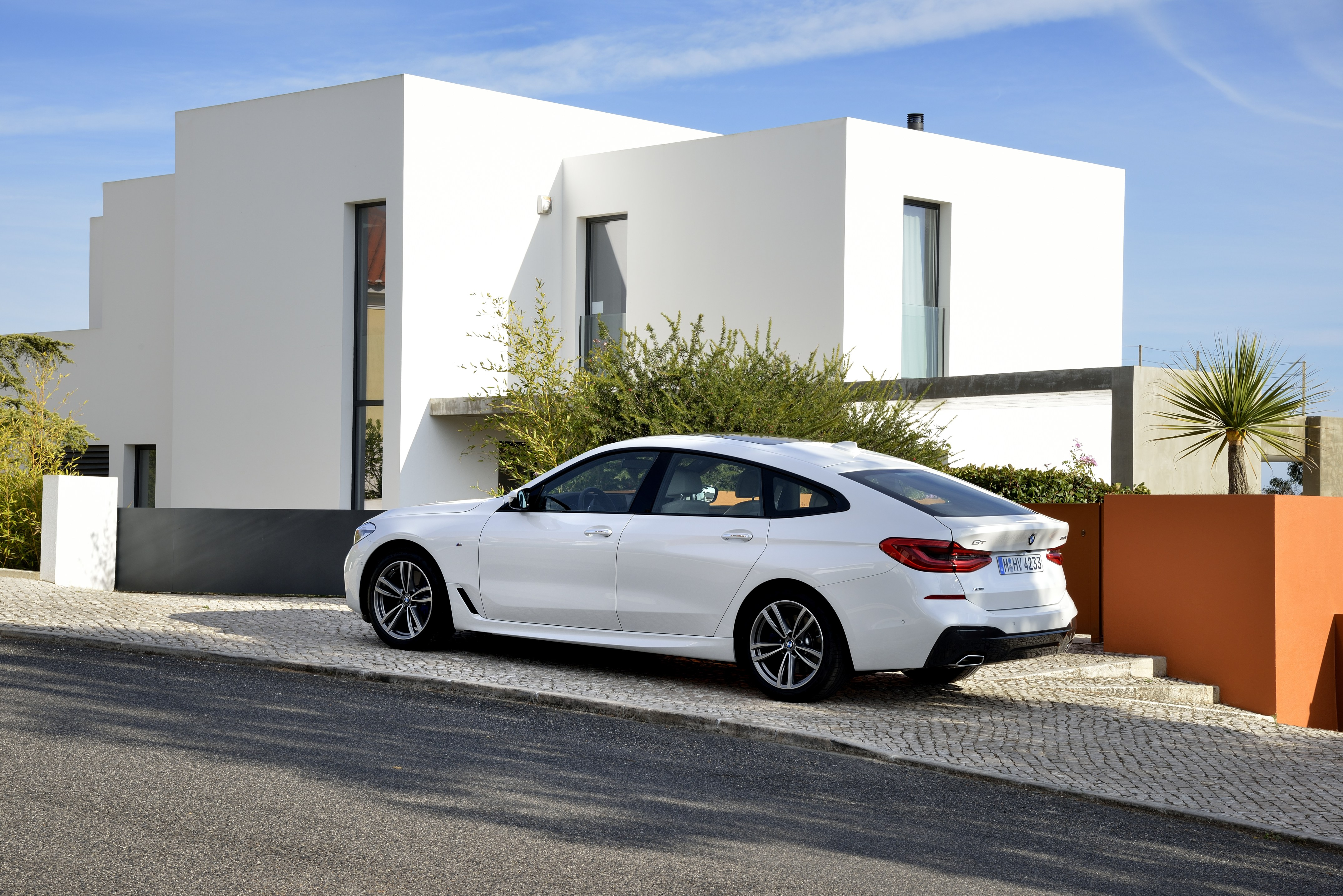 BMW 640i xDrive Gran Turismo for $899+HST / month.